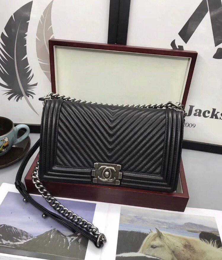 Сумка, клатч Шанель Бой Шеврон натуральная кожа в черном цвете -  Annashop.com. bf853f1f883