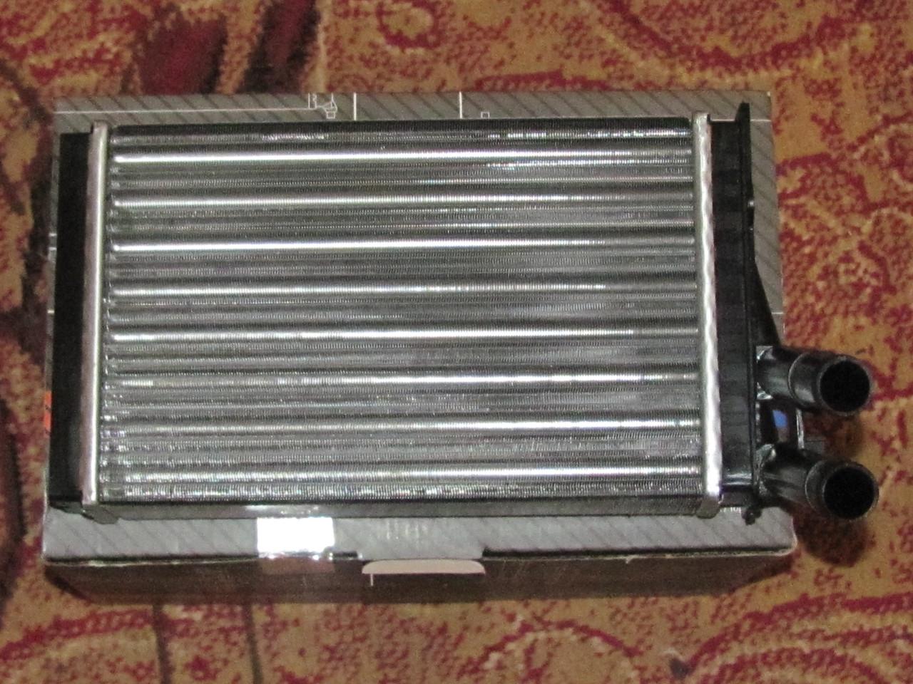 Радіатор печки Audi A4b5, 80b3, b4, 90 b4 VW passat b5