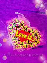 Сердце-подвеска из жвачек Love is 30 жвачек