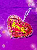 Сердце-подвеска из жвачек Love is 30жвачек
