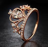 Кольцо с цирконами в форме короны покрытие