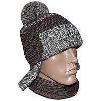 Мужская вязаная шапка - ушанка с помпоном, объемной ручной вязки