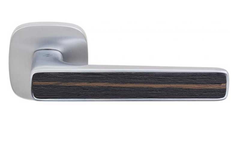Ручка на розетке COLOMBO SPIDER  MR 11  матовый хром (ebony wood)