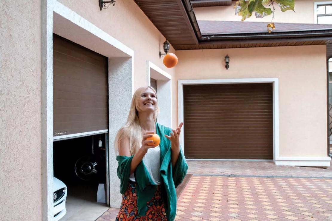 Красивые гаражные ворота alutech trend 3125 ш 2125 в