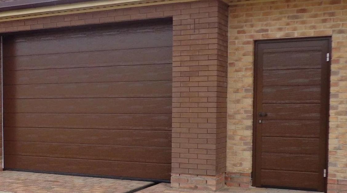 ворота в гараж подъемные секционные цена
