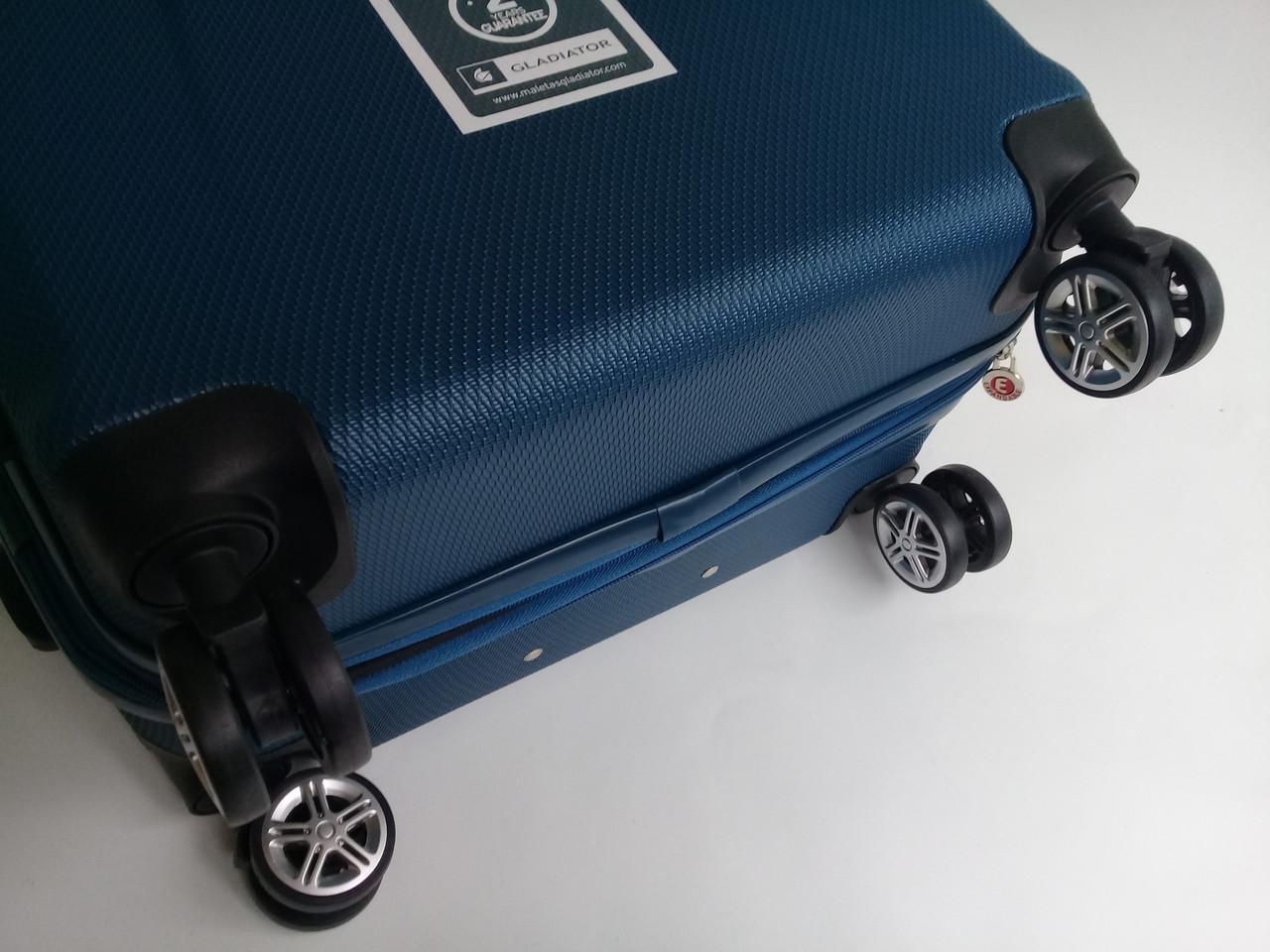 c6c8eb2d817b Чемодан дорожный на колесах: Gladiator Iguana M-2911, с расширением,  среднего размера - синий, цена 2 300 грн., купить Виноградов — Prom.ua  (ID#642645870)