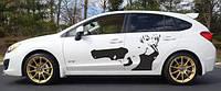 Виниловая наклейка на авто - на дверь Девушка с пистолетом