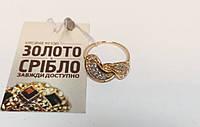 Золотое кольцо с камнями, женское. Вес 2,85 грамм. Размер 16.
