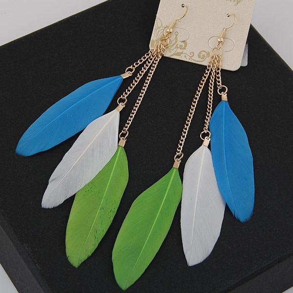 Серьги с перьями на цепочке трехцветные (голубые, белые, салатовые) S0