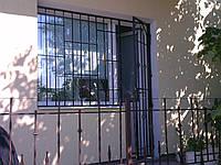 Решетки на двери, фото 1