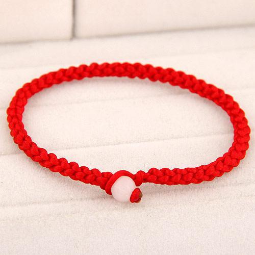 Браслет Красная нить с белой бусиной B007683
