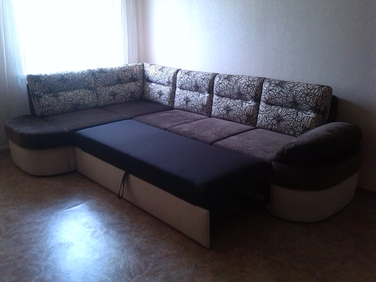 Качественная перетяжка угловых диванов любой сложности