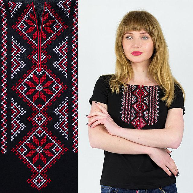 Черная футболка вышиванка с красным орнаментом
