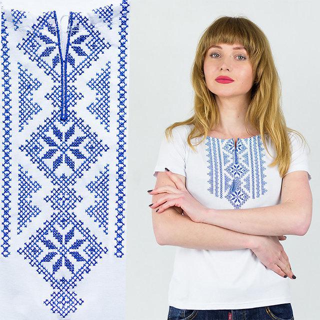 Женская футболка-вышиванка белая с синим орнаментом