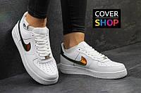 Кроссовки женские Nike Air Force, материал - кожа, белые с золотом
