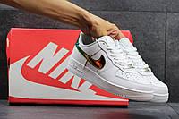 Кроссовки женские Nike Air Force белые с золотом
