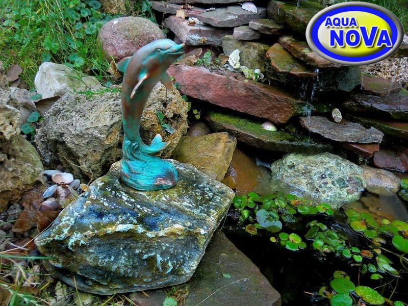 Дельфин на камне AQUA NOVA