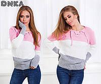 Женский свитер со шнуровкой