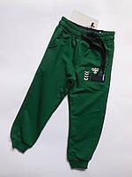 Спортивные брюки для мальчика от 5 до 8 лет.