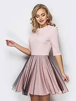 Женское нарядное платье с жемчужинами на юбке