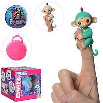 Фигурка Обезьянка 8 см (мавпочка) Fingerlings на палец, в шаре 7 см, микс видов, в коробке 7-7-7 см, HT17669