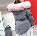 Женская куртка парка на пуху с розовым мехом (серая), фото 3