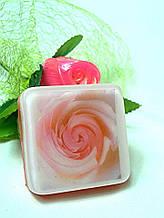 """Глицериновое мыло ручной работы """"Розовые вихри""""."""