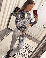 Красивый женский костюм под Gucci из мраморного бархата