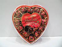 Шоколадные конфеты Pralines с целой вишней и ликером, 165г.
