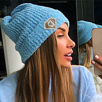 Стильная, женская, вязаная шапка с отворотом, декорирована фирменным логотипом (шерстяное букле) РАЗНЫЕ ЦВЕТА