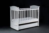 Детская кроватка Laska-М Napоleon  VIP с ящиком белая  (продольный  маятник) KP-01.NVP-04