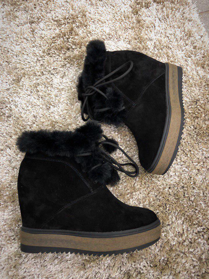 Зимние замшевые ботинки на скрытой танкетке 38,39 р