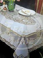 Скатерть 150*230 см виниловая украшенная под золото/серебро.