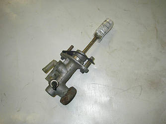 Цилиндр сцепления главный Mitsubishi Grandis 04-10 (Мицубиси Грандис)  MR995279