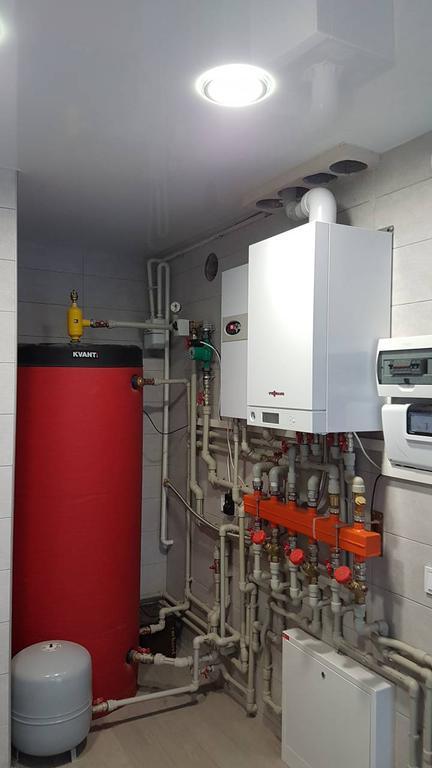 Обвязка топочной. Установка буферной теплоаккумулирующей емкости и сепаратора воздуха KVANT Laboratory