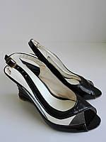 Женские лаковые туфли на танкетке с открытым носком 36 размера