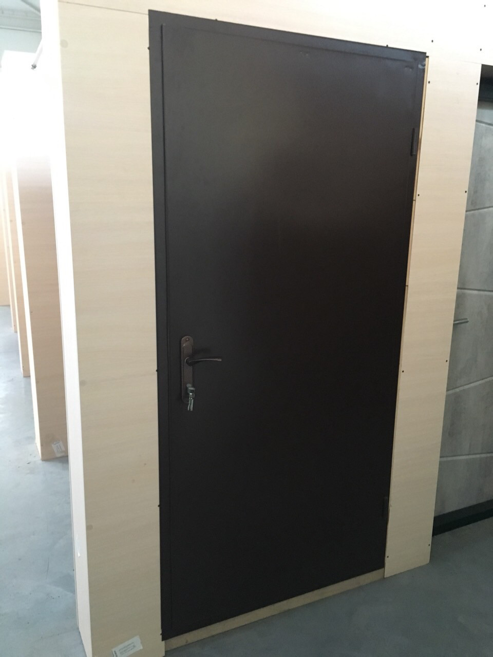 Двери в тех помещения