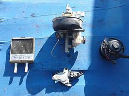 Підсилювач гальм,радіатор пічки,моторчик Hyundai Accent 1999