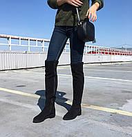 Женские замшевые сапожки черного цвета на низком ходу