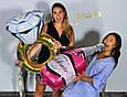 Фольгированный воздушный шар в форме розовой бутылки с пятизвездочным шампанским. 100 см., фото 6