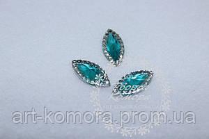 Камень пришивной овальный, бирюзовый Цвет: бирюзовый + прозрачный с переливом. Размер: 7 х 15 мм