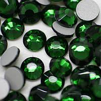 Камни DMC+ (Корея).Emerald ss16(4mm).Цена за 100шт