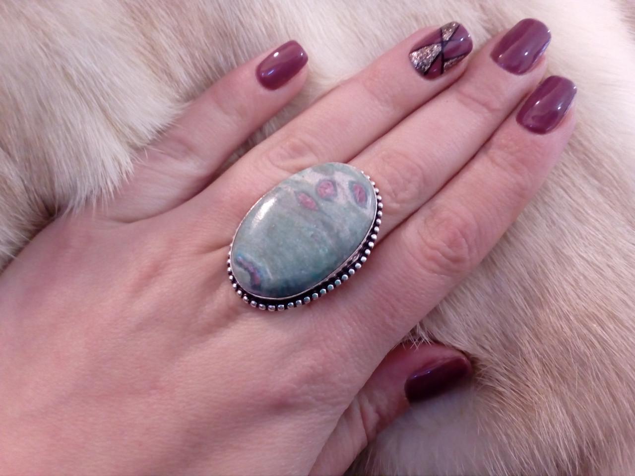 Рубин в фуксите кольцо с камнем рубин в фуксите. Природный рубин в серебре 17,5-18 размер Индия!
