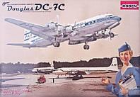 Сборная модель Roden Авиалайнер DC-7C Pan American World Airways PAA (RN301)