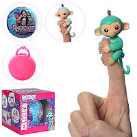 Фигурка HT17669  Fingerlings Monkey обезьянка в шаре
