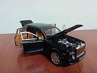Коллекционная машинка Rolls Royce Phantom металлическая модель в масштабе 1:24, фото 1
