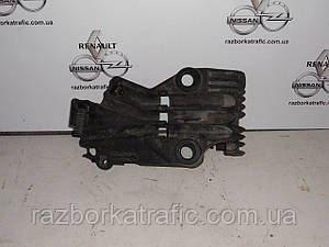 Кронштейн воздушного фильтрана Renault Master, Opel Movano, Nissan Interstar