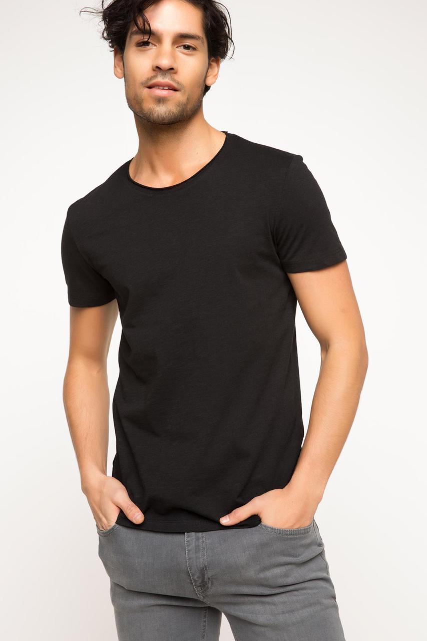 Мужская футболка De Facto / Де Факто черного цвета