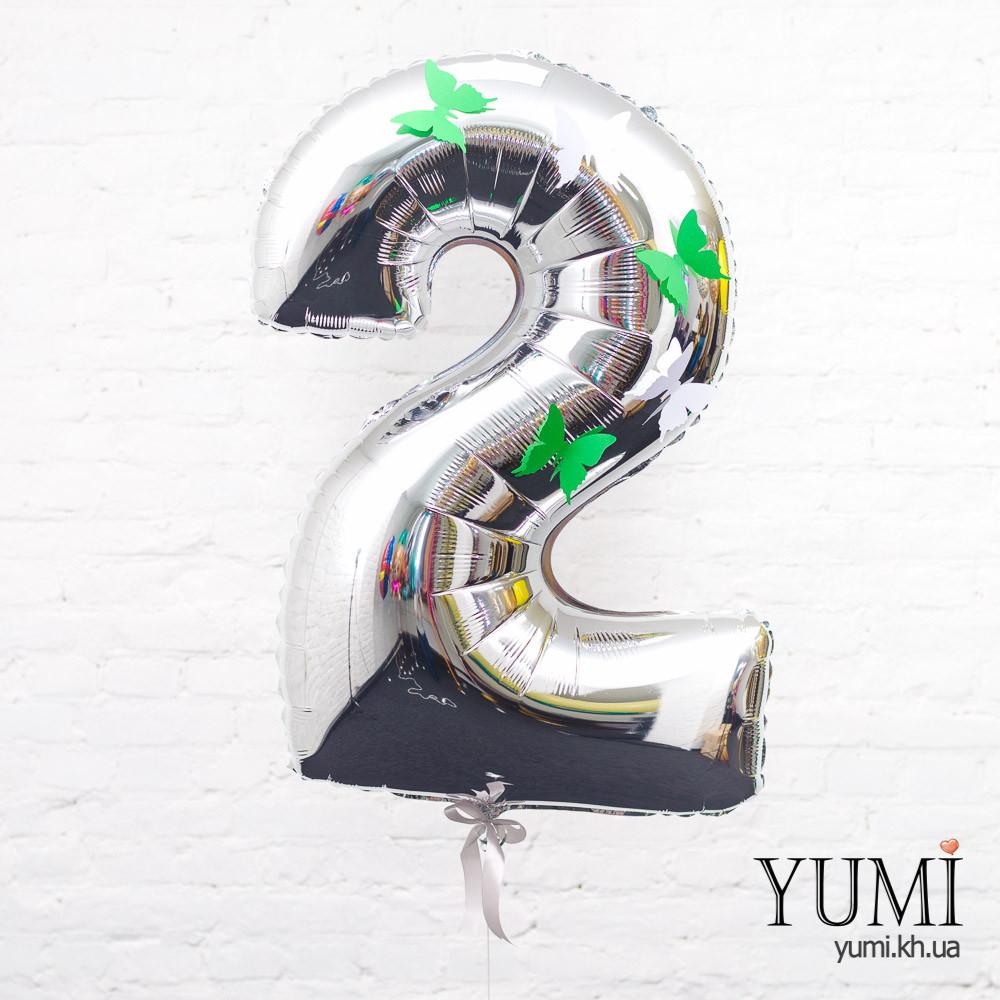 Фольгированная цифра 2 серебряная с декором