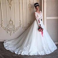 Свадебное платье  с широким кружевом